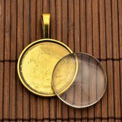Kaboson medál, és lencse szett. Antik arany szín. 25mm lencse.