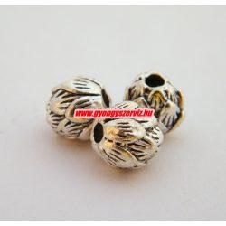 Fém köztes gyöngy. Lótusz virág. 9x10mm. Antik ezüst szín.