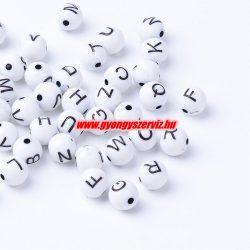 Műanyag betű gyöngy. 7-8 mm.