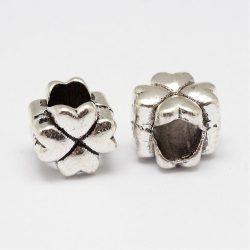 Pandora stílusú fémgyöngy. Szívecskés lóhere. Antik ezüst szín.