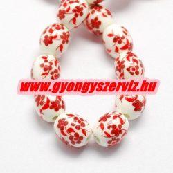 Porcelán ékszergyöngy. 12x10mm. Piros virág.