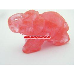 Cseresznyekvarc ásvány elefánt.