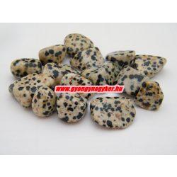 Dalmatínerkő ásvány marokkö.
