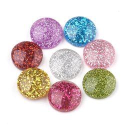 Műanyag kaboson lencse. 14mm. Glitteres, mix. 10db/csomag.